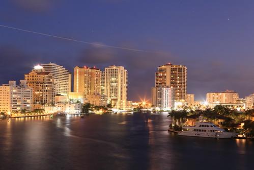 florida fortlauderdaleflorida fortlauderdaleskyline fortlauderdalebeach intracoastalwaterway viewfrom511bayshoredrive sunset yachts