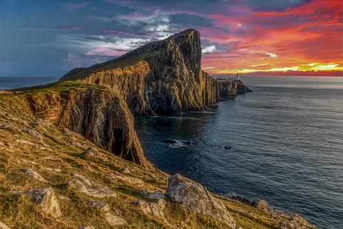 neistpoint sunset goldenhour isleofskye sea lighthouse sky