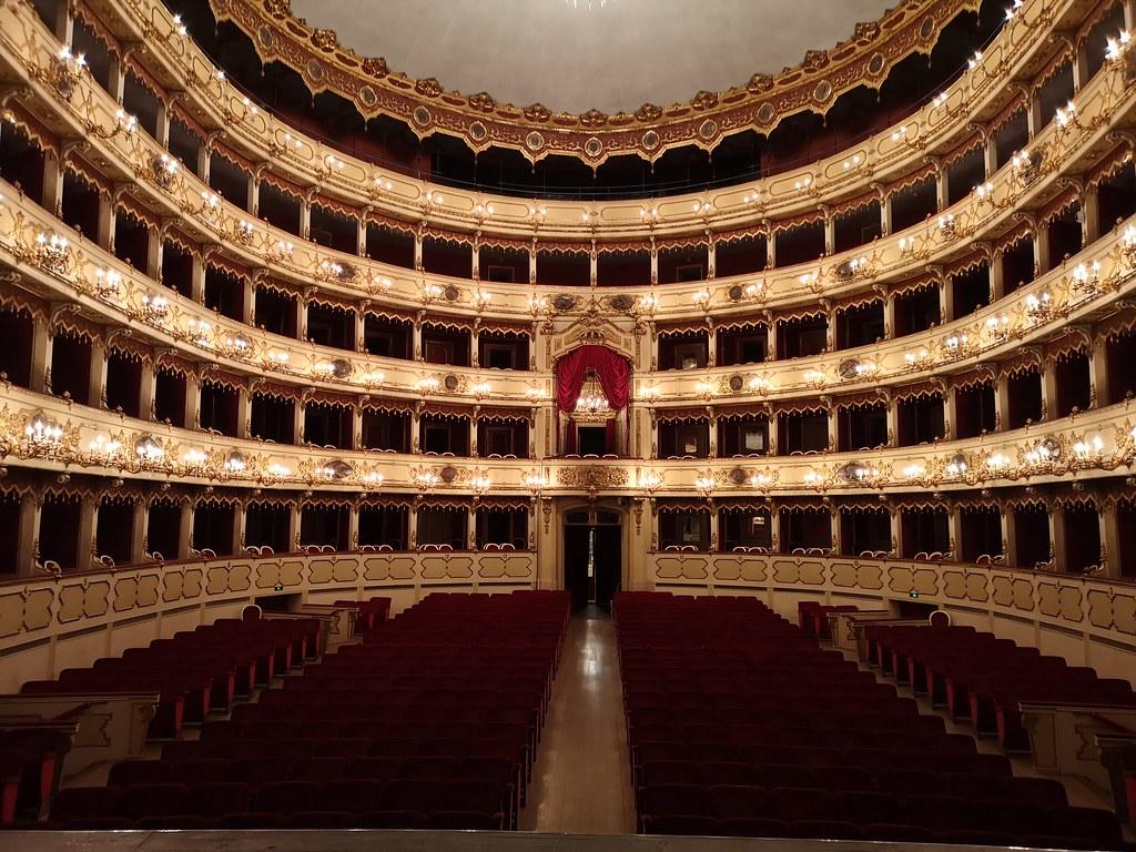 """Fondazione Teatro """"Amilcare Ponchielli"""""""