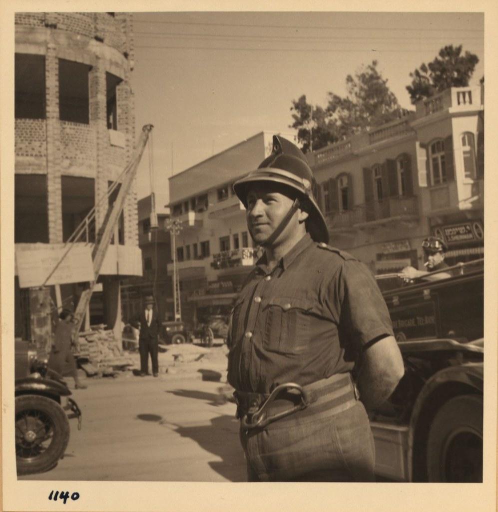 1140. Тель-Авив. 10 и 22 декабря. Добровольный пожарный
