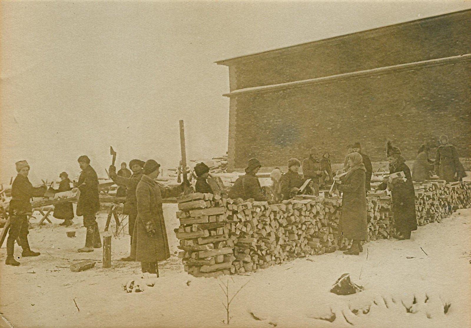 1920. Субботник в Петропавловской крепости