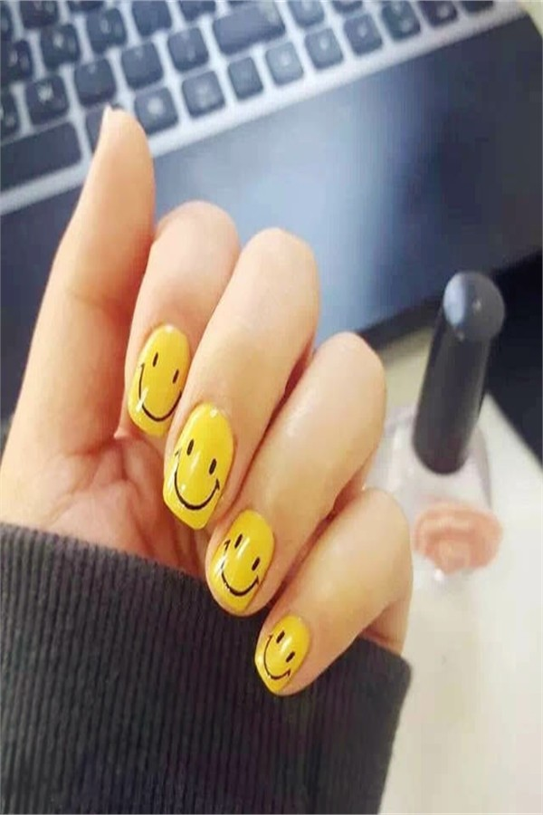 25+ Funny Emoji Nail Art Designs Ideas 2019 #nail_art_designs #trendy_nails #emoji_nails #funny_manicure