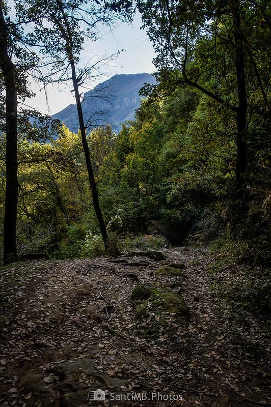 Puis Sabarraca desde el camino del Salt del Roure a Sant Mateu