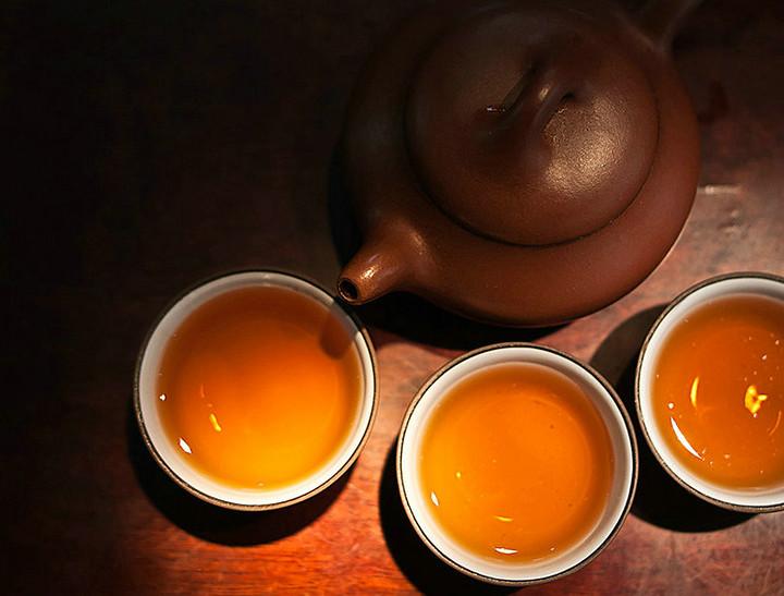 """2010 XiangYi  FuCha """"Tian He""""  Brick 380g Dark Tea Hunan"""