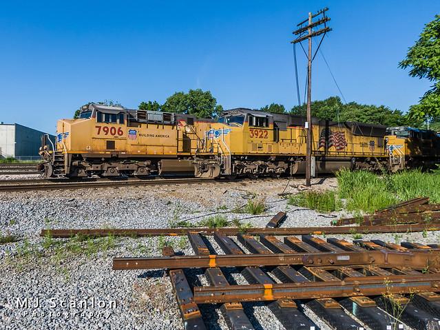 UP 7906   GE ES44AC   NS Memphis District West End