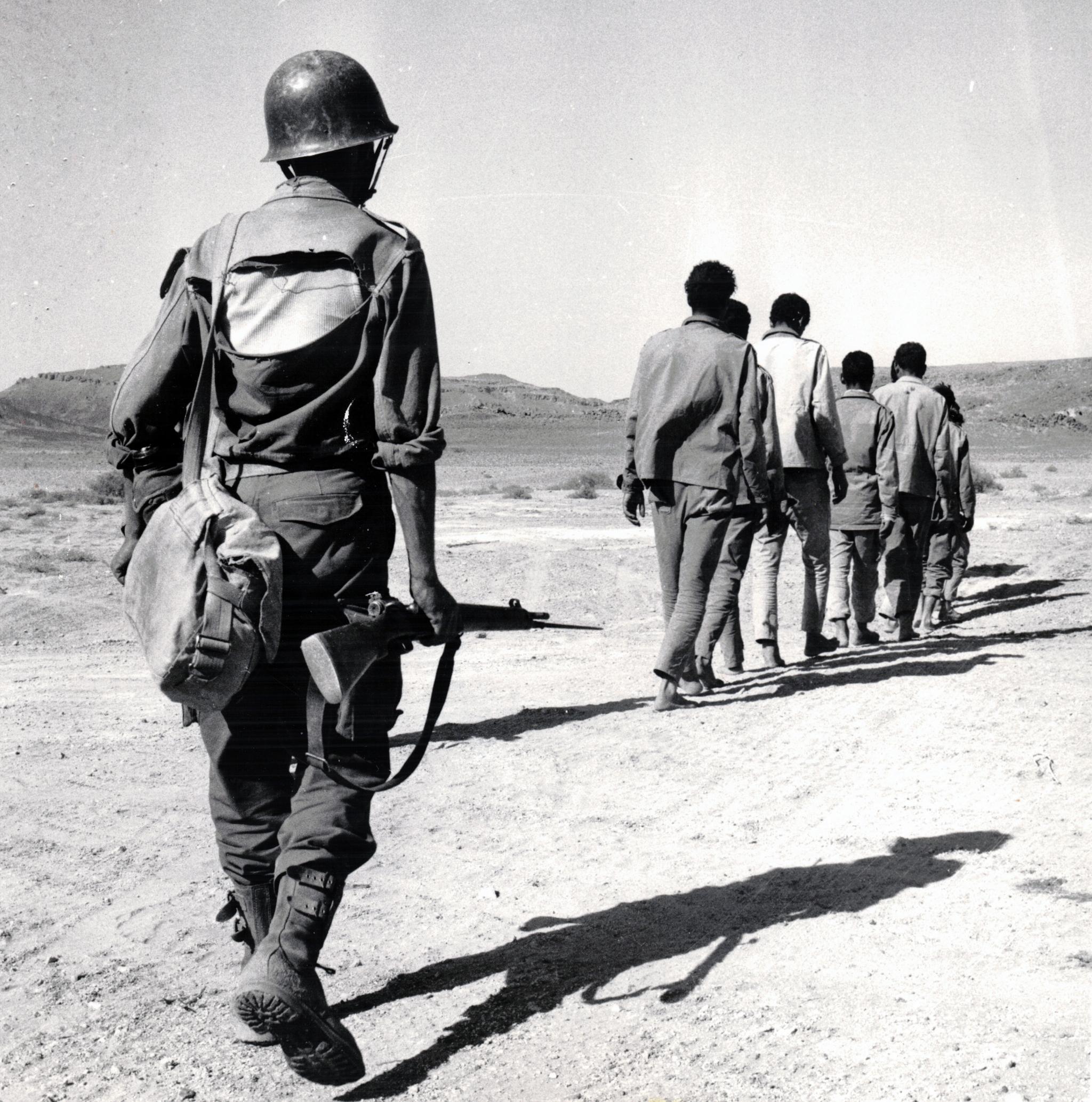Photos - Guerre des Sables - 1963 - Page 8 46993898905_f5edeaec74_o
