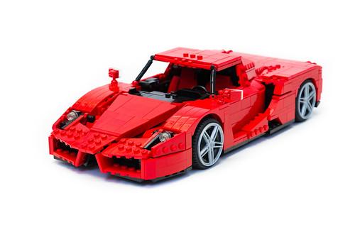 Enzo Ferrari 1:16 (1)
