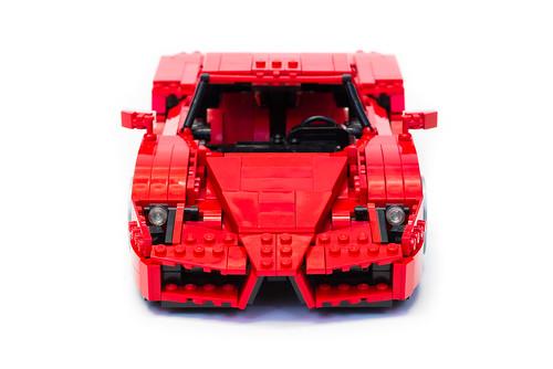 Enzo Ferrari 1:16 (2)