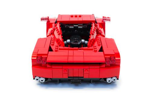 Enzo Ferrari 1:16 (9)