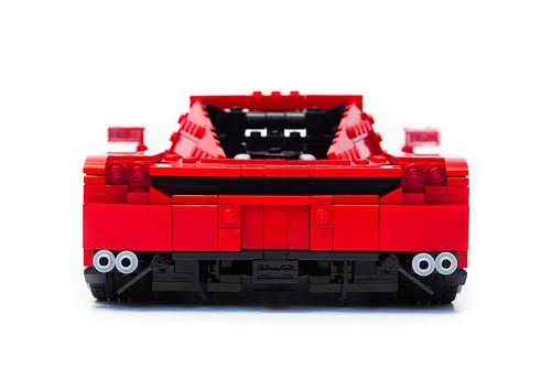 Enzo Ferrari 1:16 (10)