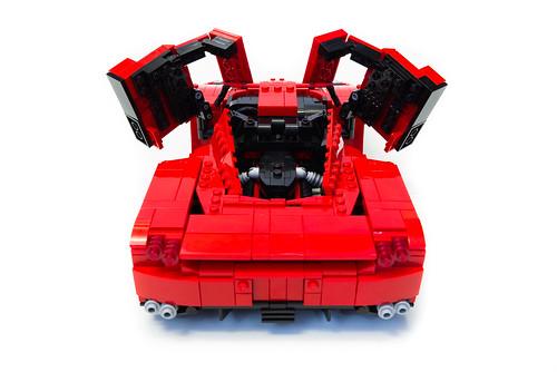 Enzo Ferrari 1:16 (17)