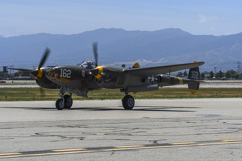Planes of Fame's P-38J Taxiing
