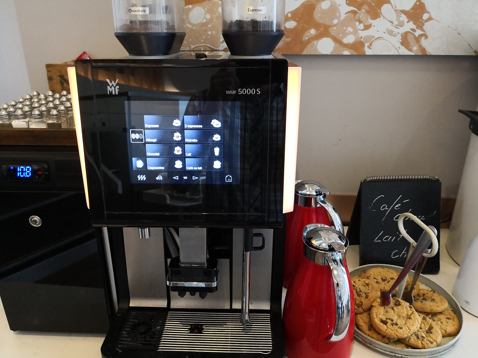 Espresso machine and cookies