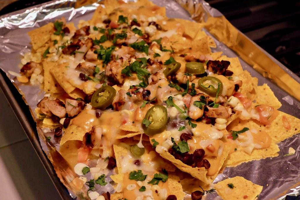 sheet pan pollo asado nachos