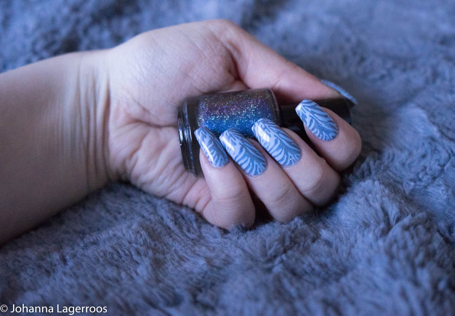 blue zebra nails