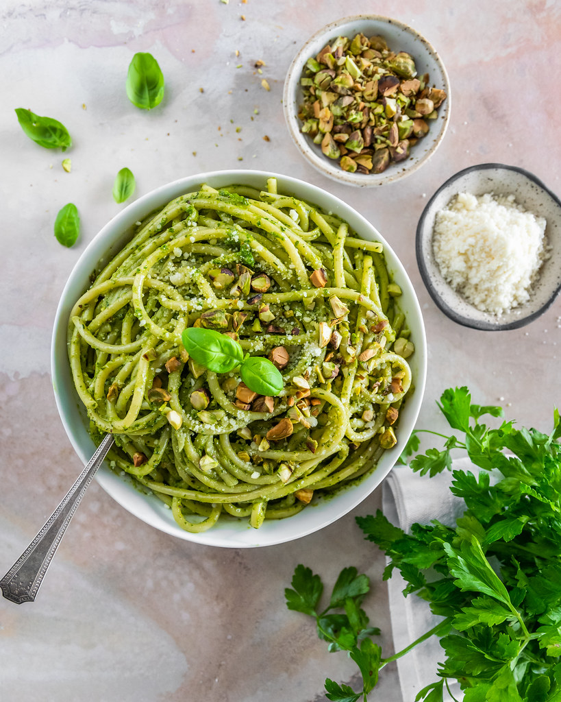 bucatini pistachio pesto