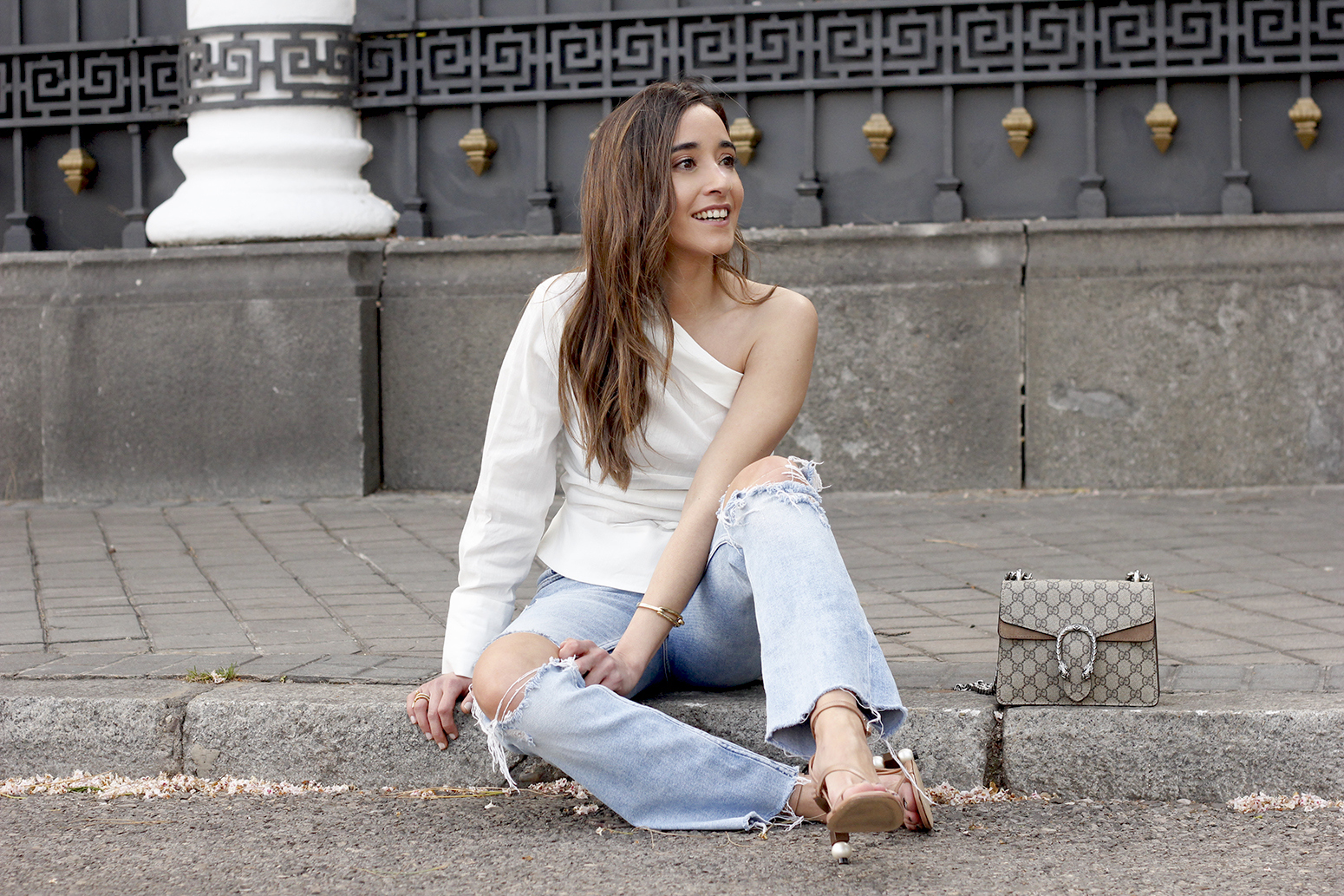 White Asymmetrical Linen Top jeans gucci bag street style outfit 20199