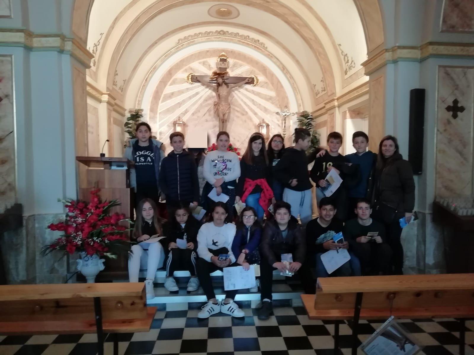 (2019-04-08) Visita ermita alumnos Yolada - 6 -  Virrey Poveda - María Isabel Berenguer (03)