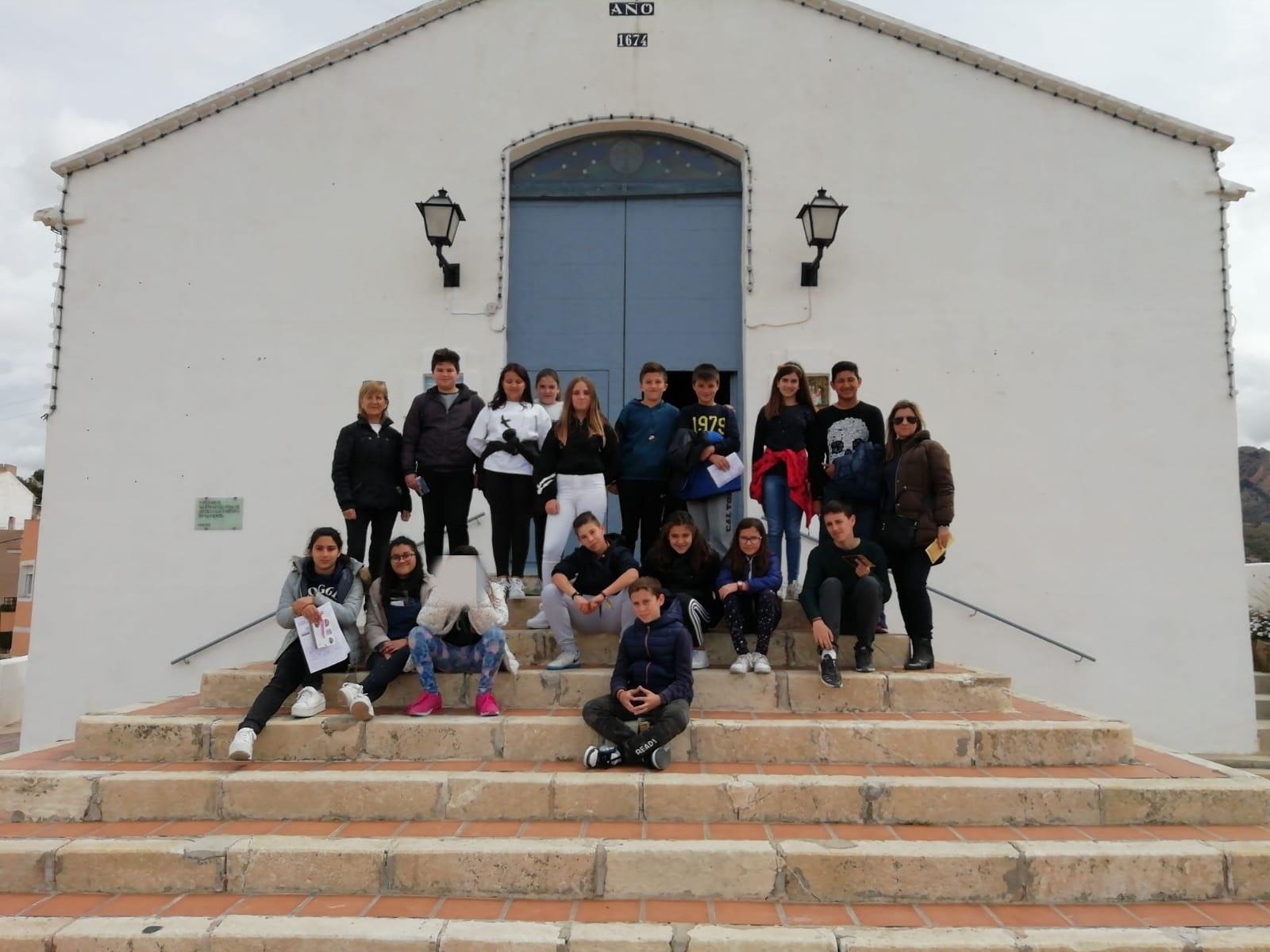 (2019-04-08) Visita ermita alumnos Yolada - 6 - Virrey Poveda - María Isabel Berenguer (04)