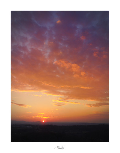 pznewspforzheimgramphotoruptnakedplanettheglobewandererroamtheplanetfantasticearthawesomeearthpixearthfocuscolorsofdayvisualambassadorsnaturewizardsigcountrysidepforzheim wallberg montescherbelino sunset sky rot red orange clouds wolken reflectedlight sonnenuntergang