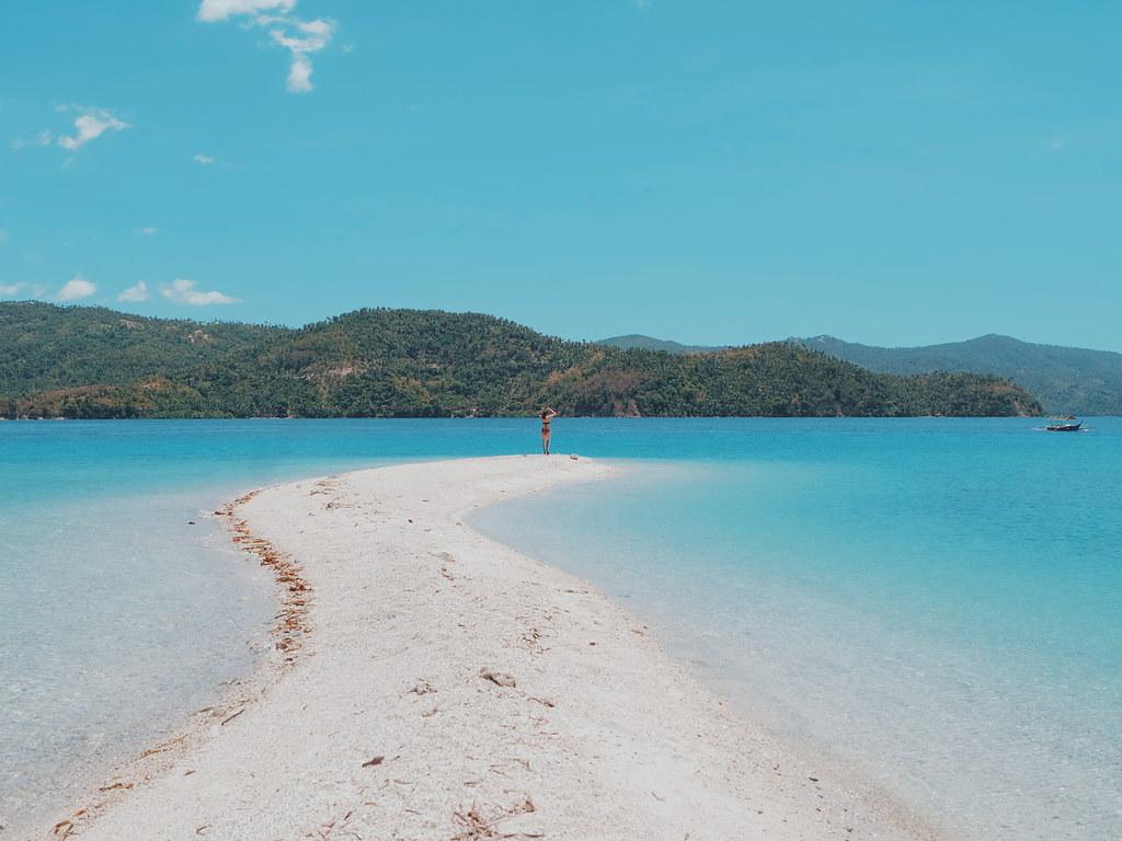 Hakupan Island, Marinduque Beach