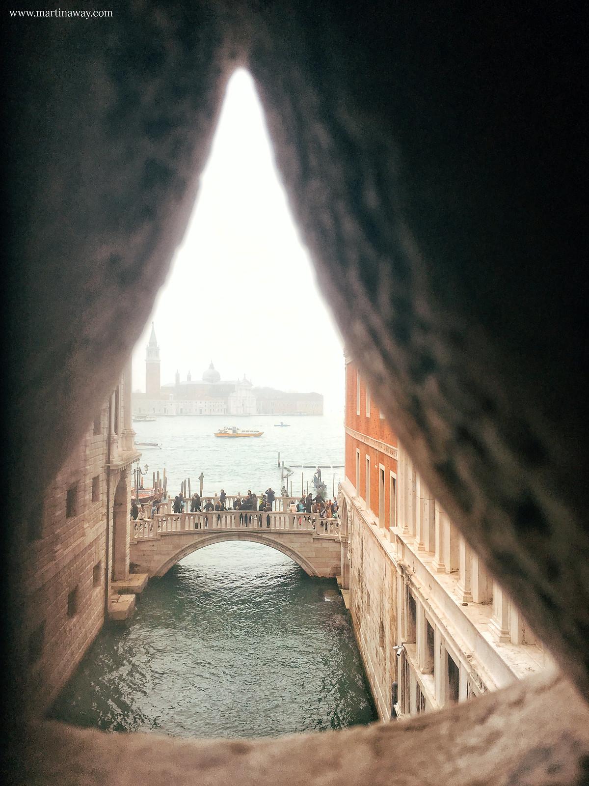 Ponte della Paglia visto dal Ponte dei Sospiri
