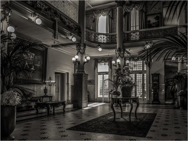 Menger Hotel Lobby II