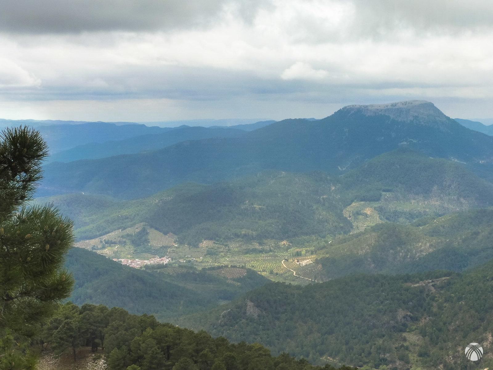 Villaverde del Guadalimar y la Piedra del Cambrón