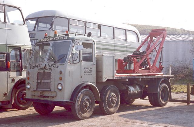 Roselyn Coaches ( L J Ede ) . Par . Cornwall . Tow Truck . 24th-April-1977 .