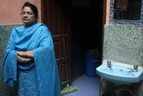 Mission Delhi - Iffat zarrin, Galli Hakimwalli
