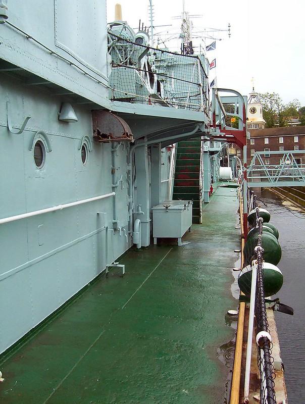 HMS Cavalier 00010
