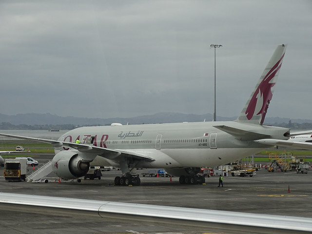 Qatar Airways Boeing 777-200LR A7-BBE