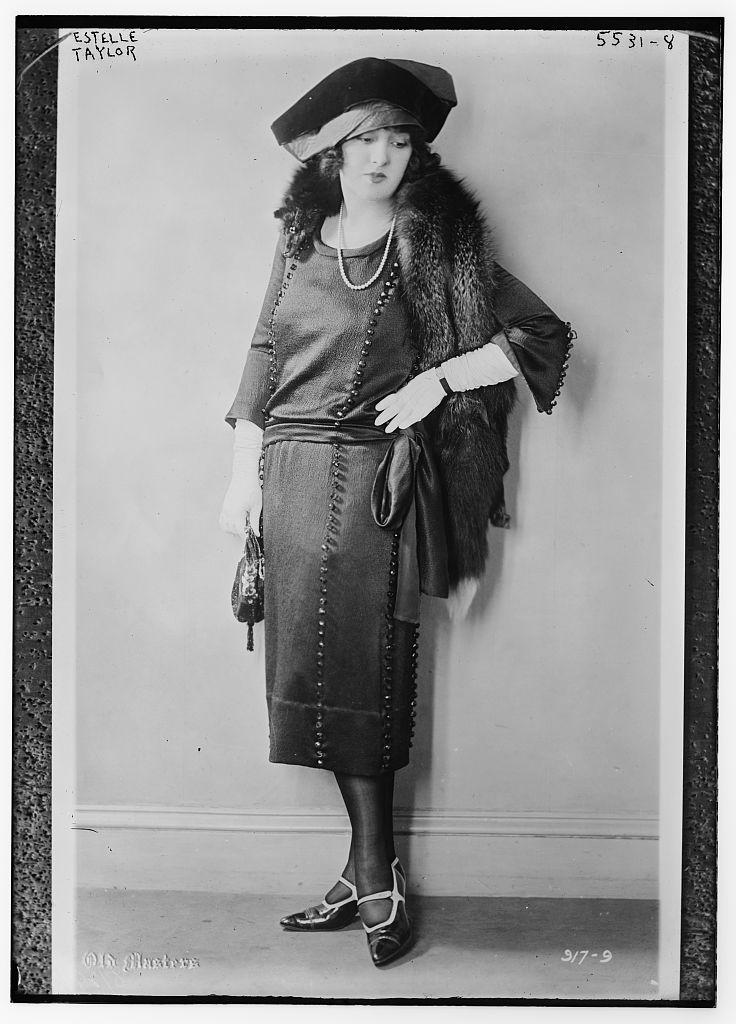 Estelle Taylor (LOC)