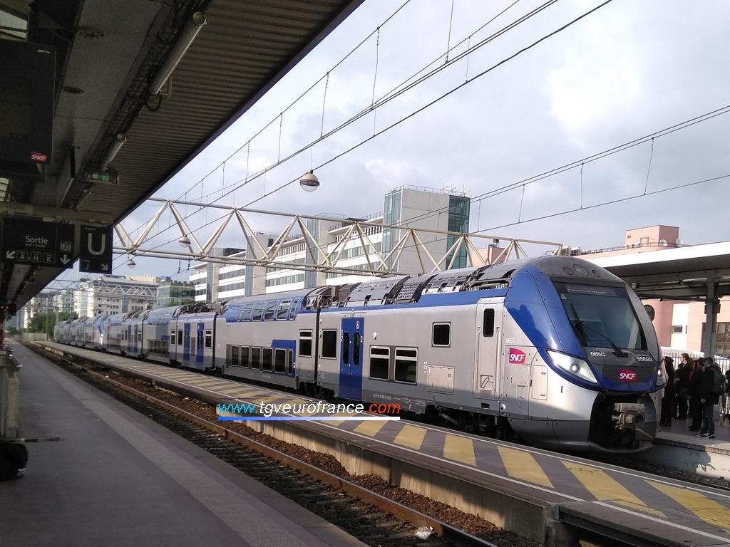 Une UM d'automotrices Regio 2N (Z55500) de Bombardier Transport de la Région Auvergne-Rhône-Alpes