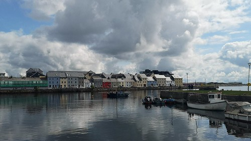 claddagh galway ireland cameraphone huaweip20pro rivercorrib thelongwalk terrace urban reflection duck galwayhooker boat buoy water