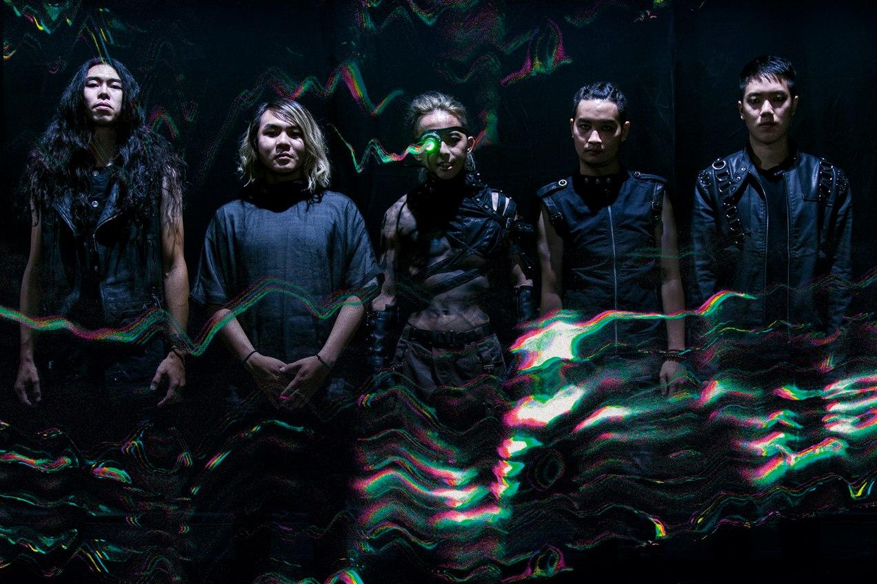 為何撒冥紙?從火燒島樂團的2018浴火演唱會談起在重金屬演出中撒冥紙的象徵意義