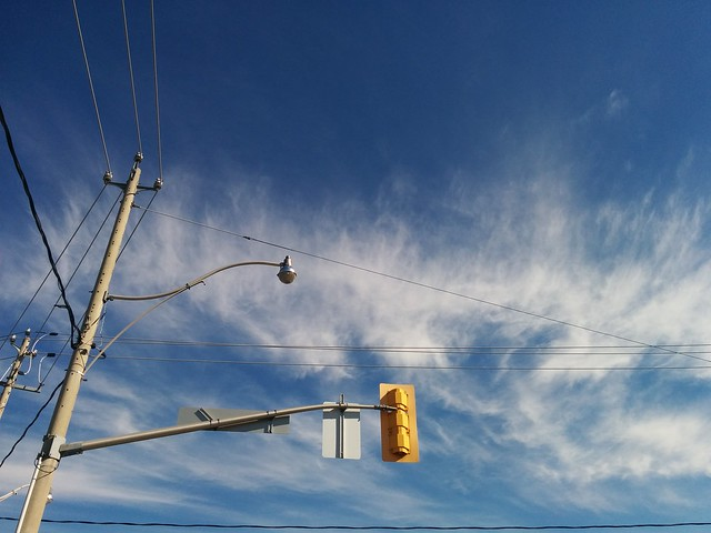 Cirrus clouds to the north #toronto #dupontstreet #dufferinstreet #blue #sky #cirrus #clouds