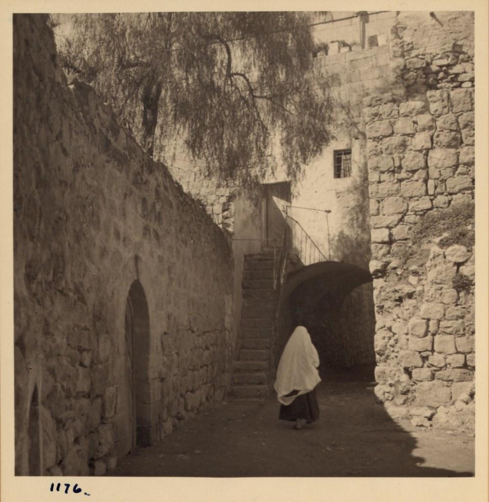 04. Улица в старом Хевроне, 13 февраля
