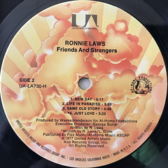 RONNIE LAWS:FRIENDS AND STARNGERS(LABEL SIDE-B)
