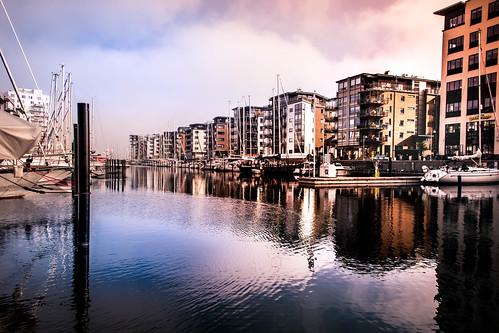 småbåtshamn sky sunrisetime skåne sunrise dockplatsen dockan himmel reflection spegling sweden dock boats water marina malmö skånelän sverige