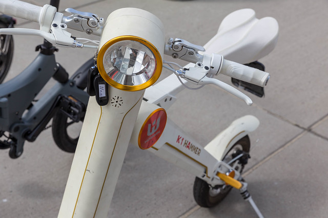 Horwin K1 Hammer white e-scooter at the E-Cologne trade show for sustainability