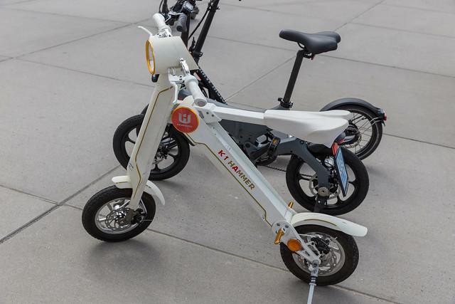 Horwin K1 Hammer Elektroscooter und etropolis Elektrobike auf der E-Cologne Messe für nachhaltige Mobilität und Energieversorgung