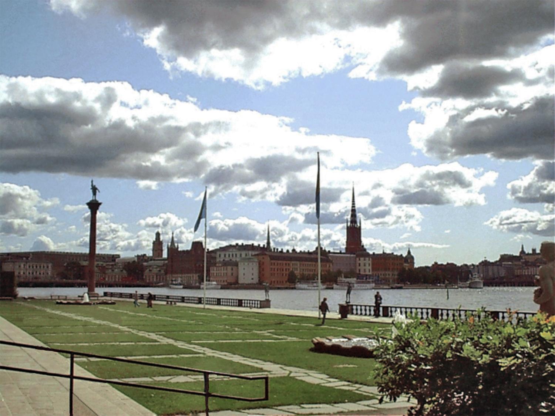 vista de ciudad vieja Gamla Stan y lago Mälaren Estocolmo Suecia