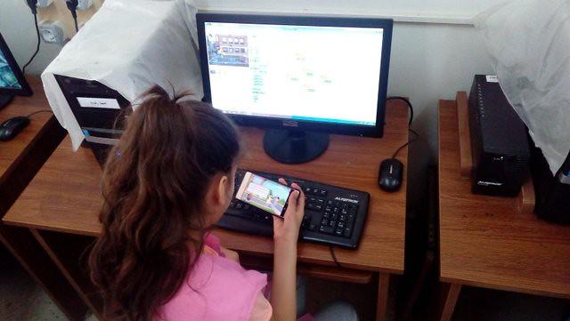 "InnovationLab ESI-UNICEF (tests du groupe ""app mobile"")"