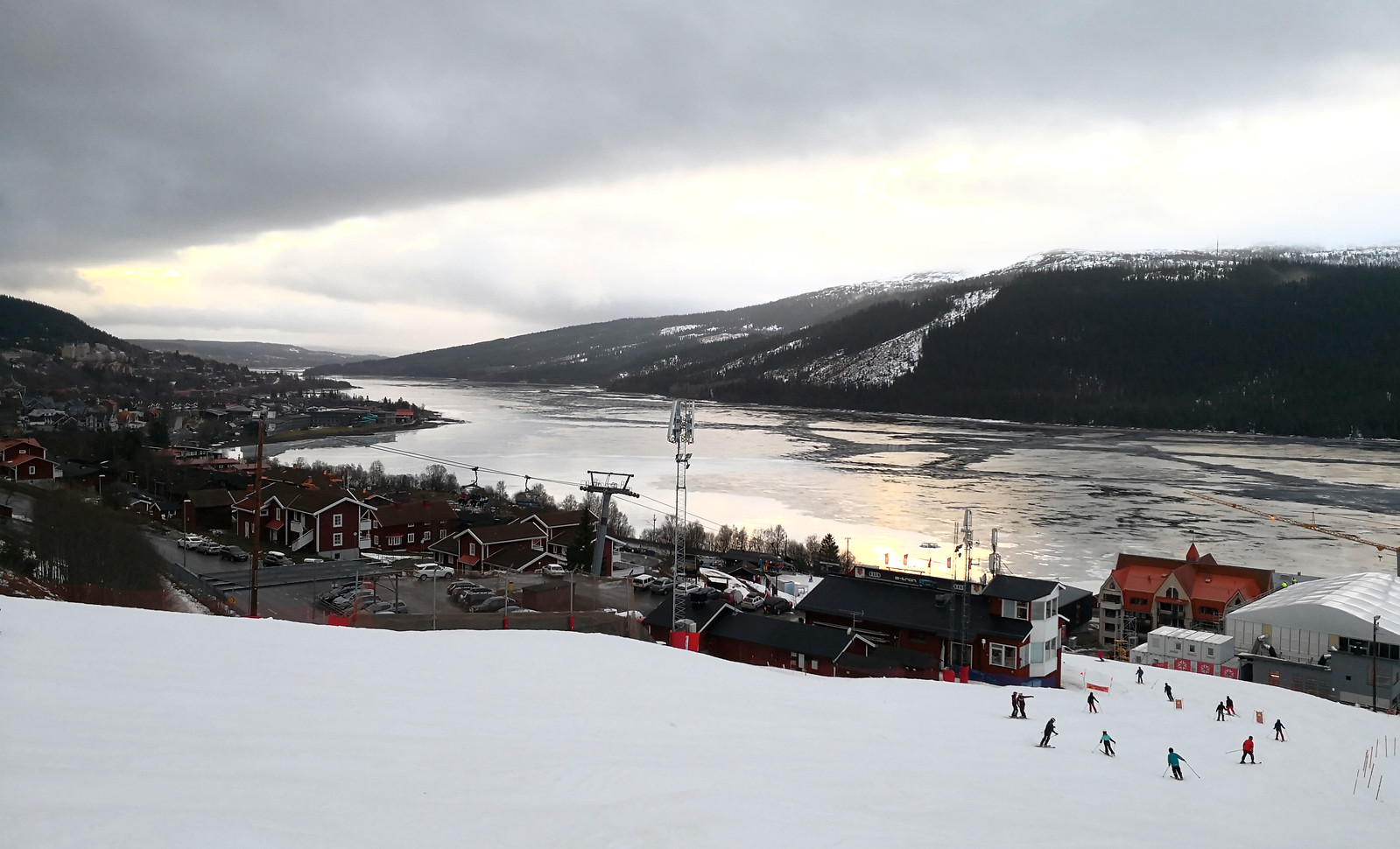 Red piste to the Race Arena