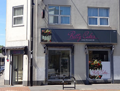 Picture of Pretty Cakes (CLOSED), 256 High Street