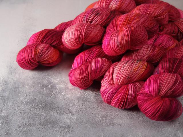Favourite Sock -Pure Merino Wool superwash hand dyed yarn 4 ply/fingering 100g – 'Plush'