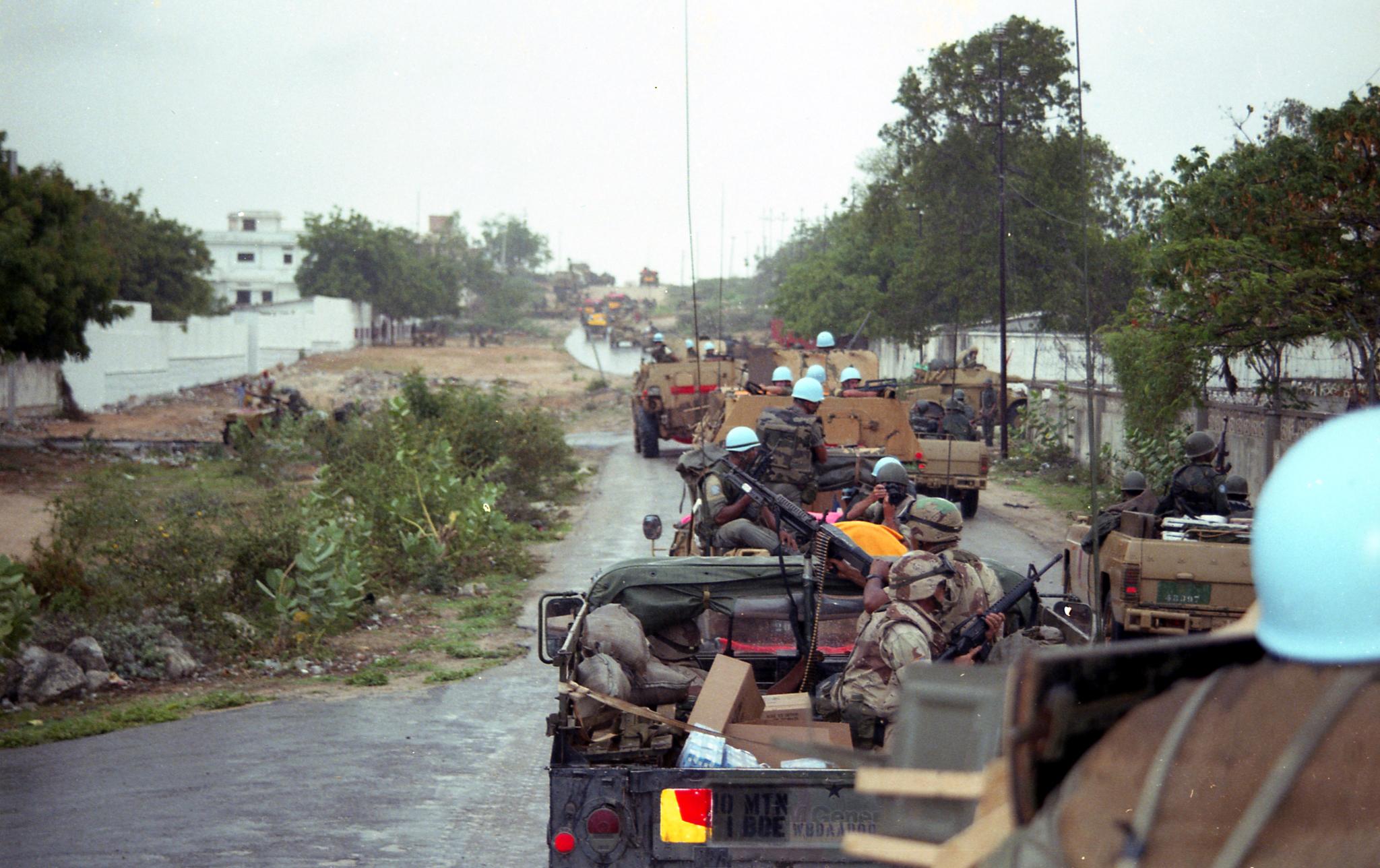 Les FAR en Somalie - Page 2 47056320034_295db5cf46_o
