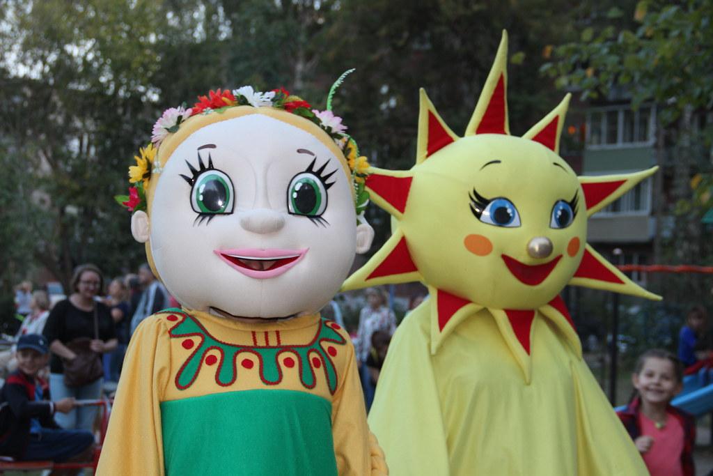 Праздник улицы Великанова