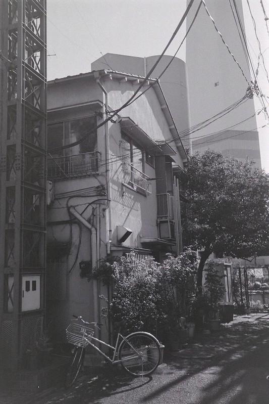 031LeicaM2 Summaron 35mm f35 Kodak 400TX池袋一丁目